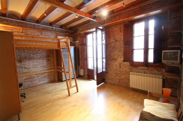 Loft de estilo r stico en poble sec barcelona for Loft rustico